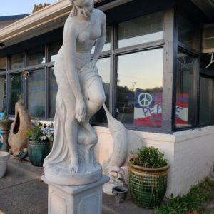 5' Venus Statue